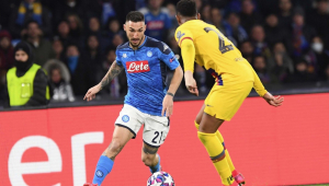 Presidente do Napoli pressiona Uefa para mudar local de jogo contra o Barcelona