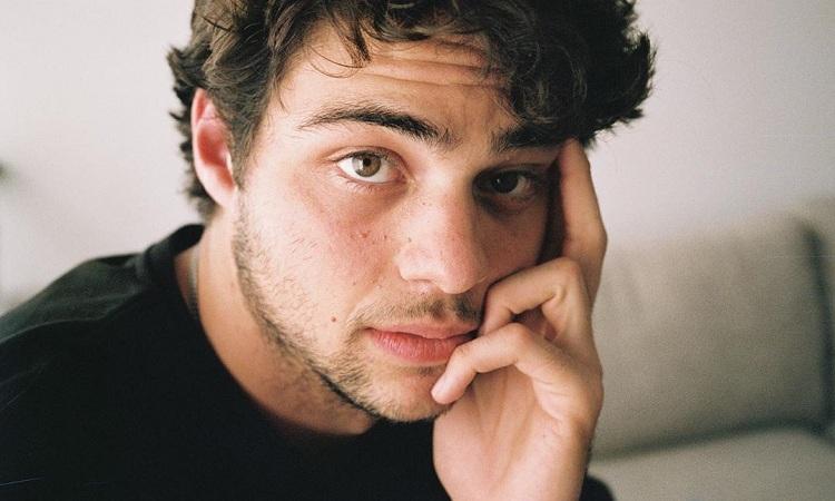 Noah Centineo relembra vício em drogas aos 17 anos: 'Época sombria' – Jovem Pan