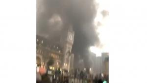 Incêndio de grandes proporções evacua estação de trem em Paris