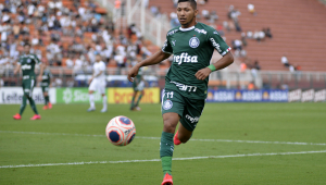 Rony, atacante do Palmeiras, é suspenso pela Fifa por quatro meses