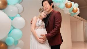 Nasce Jake, primeiro filho de Sammy e Pyong Lee