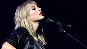 Taylor Swift lança versão ao vivo de 'The Man'; assista