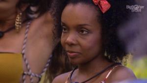 Thelma chora de fome no BBB 20 e Daniel debocha: 'Olha a cara dela'