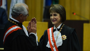 Ministra Cristina Peduzzi é primeira mulher no comando do TST