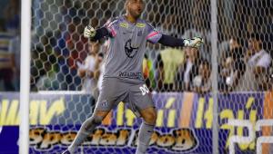 Everson ou Vladimir? Santos pode rever briga por titularidade no gol