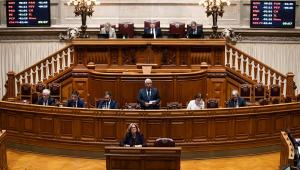 Portugal prioriza políticos na campanha de vacinação contra Covid-19