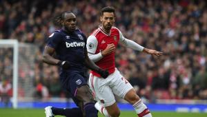 Jogador que tossir no adversário poderá ser expulso no Campeonato Inglês