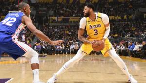 Los Angeles Lakers anuncia que jogadores estão livres de sintomas da covid-19
