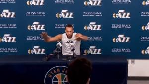 Pivô que ironizou Covid-19 e causou suspensão da NBA está curado