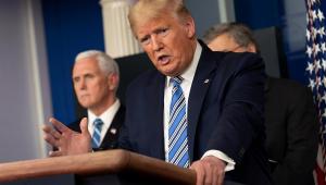 Coronavírus: Trump diz que 'não quer outros conseguindo máscaras'