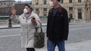 Paris restringe atividades físicas para reduzir movimentação nas ruas