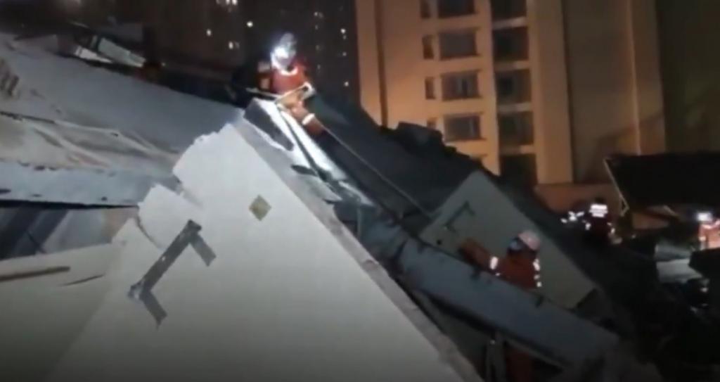 Resultado de imagem para Hotel desaba na China com 70 pessoas em quarentena por coronavírus
