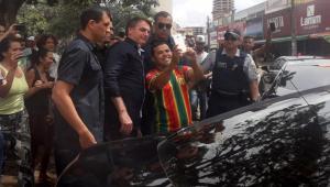 Bolsonaro rebate críticas por saída em Brasília: 'Não fui passear, não'