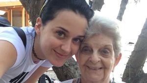 Katy Perry faz despedida emocionante para avó: 'Amor incomparável'