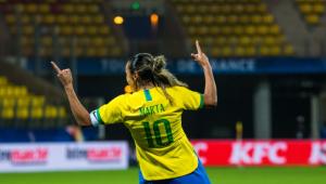 Após fala de Bolsonaro, Marta rebate: 'Alguns serão lembrados como os melhores, já outros'