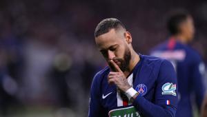 Neymar está deixando a proposta de renovação do PSG 'no vácuo', diz jornal