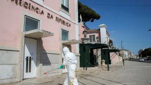Portugal vê pandemia avançar e torna obrigatório uso de máscara