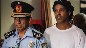 Mais discreto, Ronaldinho Gaúcho completa quatro meses preso no Paraguai