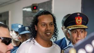 Audiência que pode libertar Ronaldinho é marcada; saiba a data
