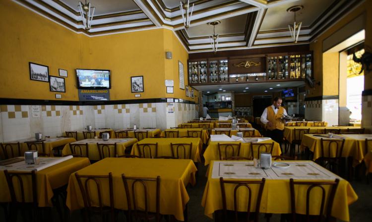 Restaurantes em São Paulo querem funcionar no período noturno