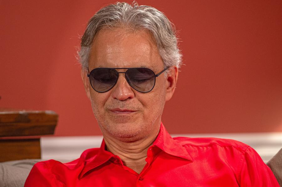 Andrea Bocelli pede desculpas após criticar confinamento na Itália