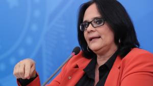 Damares Alves: 'Lockdown trouxe como legado o aumento da violência doméstica'