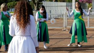 Em dia de jejum, evangélicos fazem oração por Bolsonaro no Alvorada