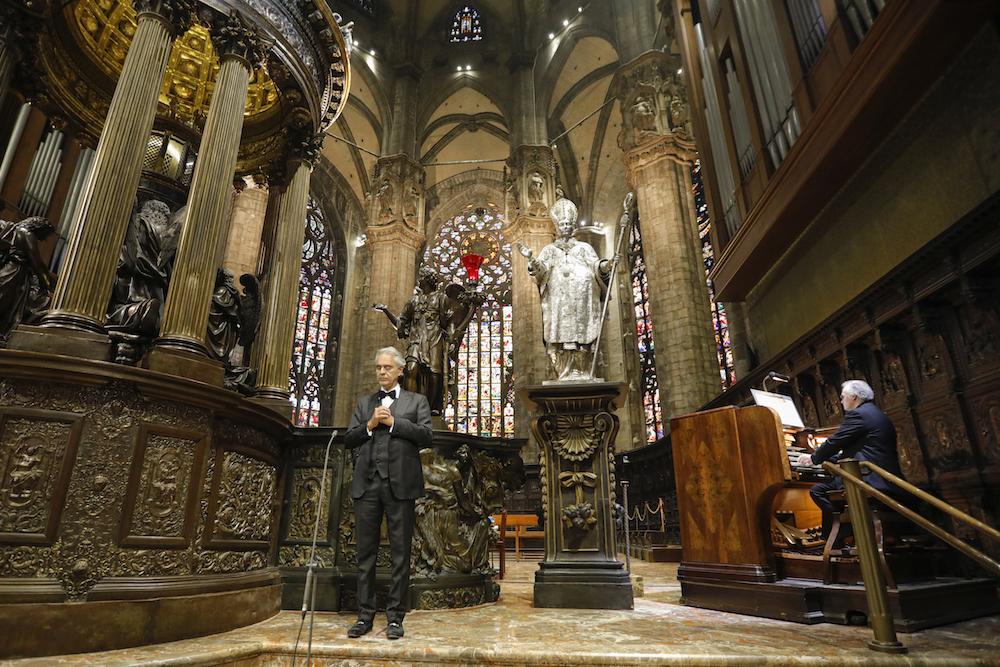 Andrea Bocelli revela que teve e já está curado de Covid-19: 'Tivemos sorte'