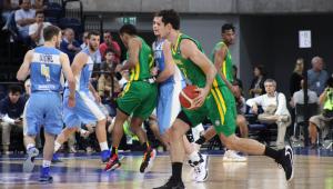 Santa Catarina proíbe futebol por ser 'esporte de contato', mas libera basquete