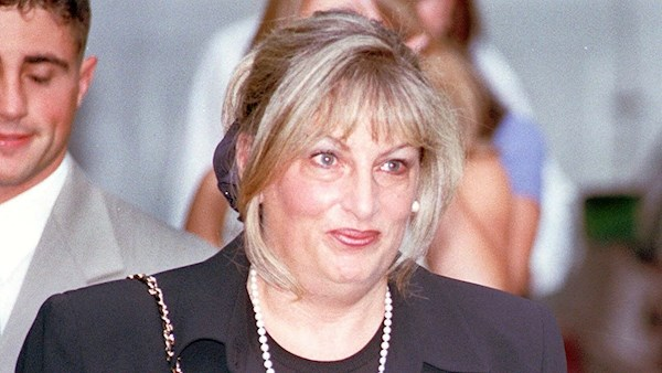Morre Linda Tripp, testemunha no caso de impeachment de Bill Clinton