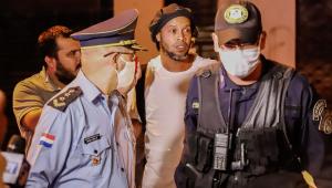 Ronaldinho pagou fiança no Paraguai com dinheiro de conta na Europa