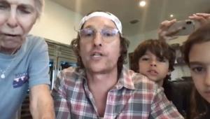 Matthew McConaughey promove bingo virtual para moradores de asilo