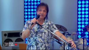 Roberto Carlos anuncia nova live para o Dia das Mães