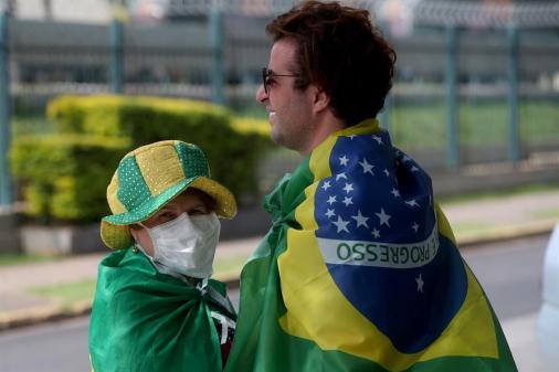 Brasil se aproxima de 24 mil casos de coronavírus e 1.355 mortos