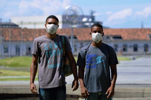 Brasil se aproxima de 26 mil casos de coronavírus e já tem 1.557 mortos