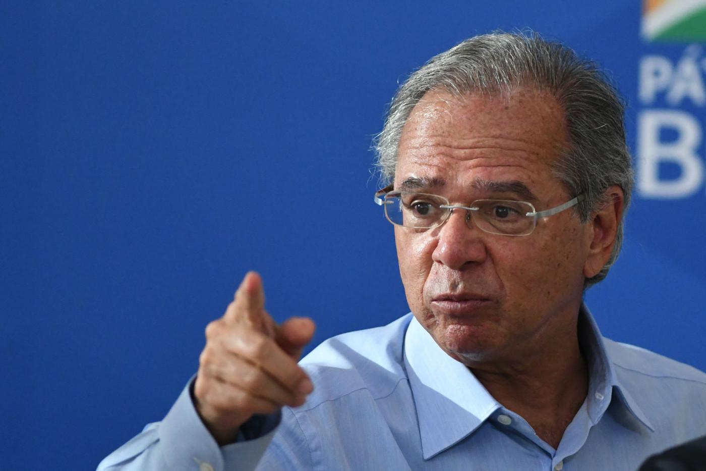 Ministro da Economia, Paulo Guedes, afirmou que auxílio emergencial terá base de R$ 250, mas pode variar de R$ 175 a R$ 375