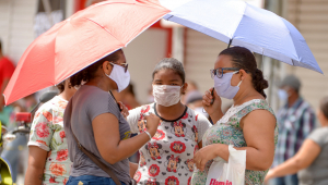 Alerta sobre transmissão pelo ar do coronavírus evidencia importância do uso de máscaras