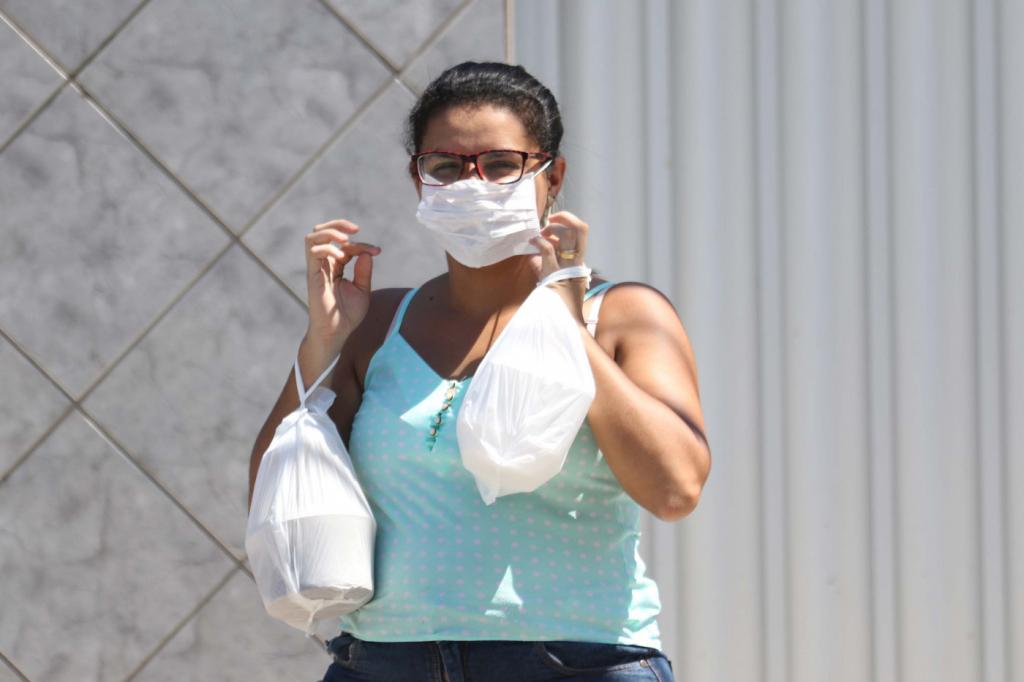 Casos do novo coronavírus no DF mais do que dobram em uma semana