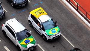 Apoiadores de Bolsonaro fazem carreata contra Doria em SP