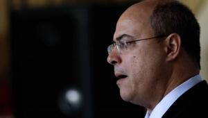 """""""Parabéns à PF"""", diz Bolsonaro, sobre operação que mira Witzel"""