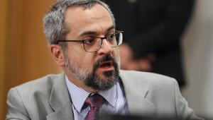Weintraub deixa sede da PF após prestar depoimento no inquérito sobre suposto crime de racismo