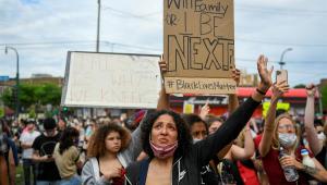 Minneapolis tem novos protestos após morte de homem negro em abordagem policial
