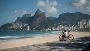 Rio supera 5 mil mortes por Covid-19 e Justiça barra decreto para reabertura de igrejas
