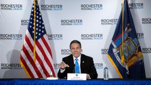 Governador de NY pede desculpa após acusação de assédio e descarta renúncia