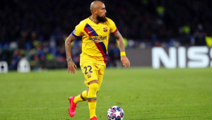 Vidal, Isla, Aránguiz... Gary Mendel recomenda jogadores para o Boca Juniors