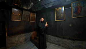 Basílica da Natividade de Belém, na Cisjordânia, reabre após quase 3 meses