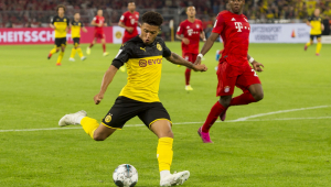 Sancho e Akanji, do Dortmund, são multados após receberem visita de cabeleireiro