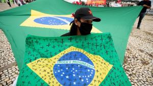 OMS diz que pandemia é 'muito preocupante' no Brasil e no Peru