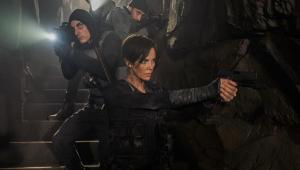 Charlize Theron é mercenária imortal em trailer de ação da Netflix; confira