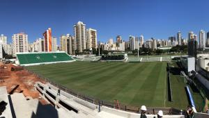 A poucas horas de jogo do Brasileirão, Goiás afirma que tem 10 jogadores com Covid-19